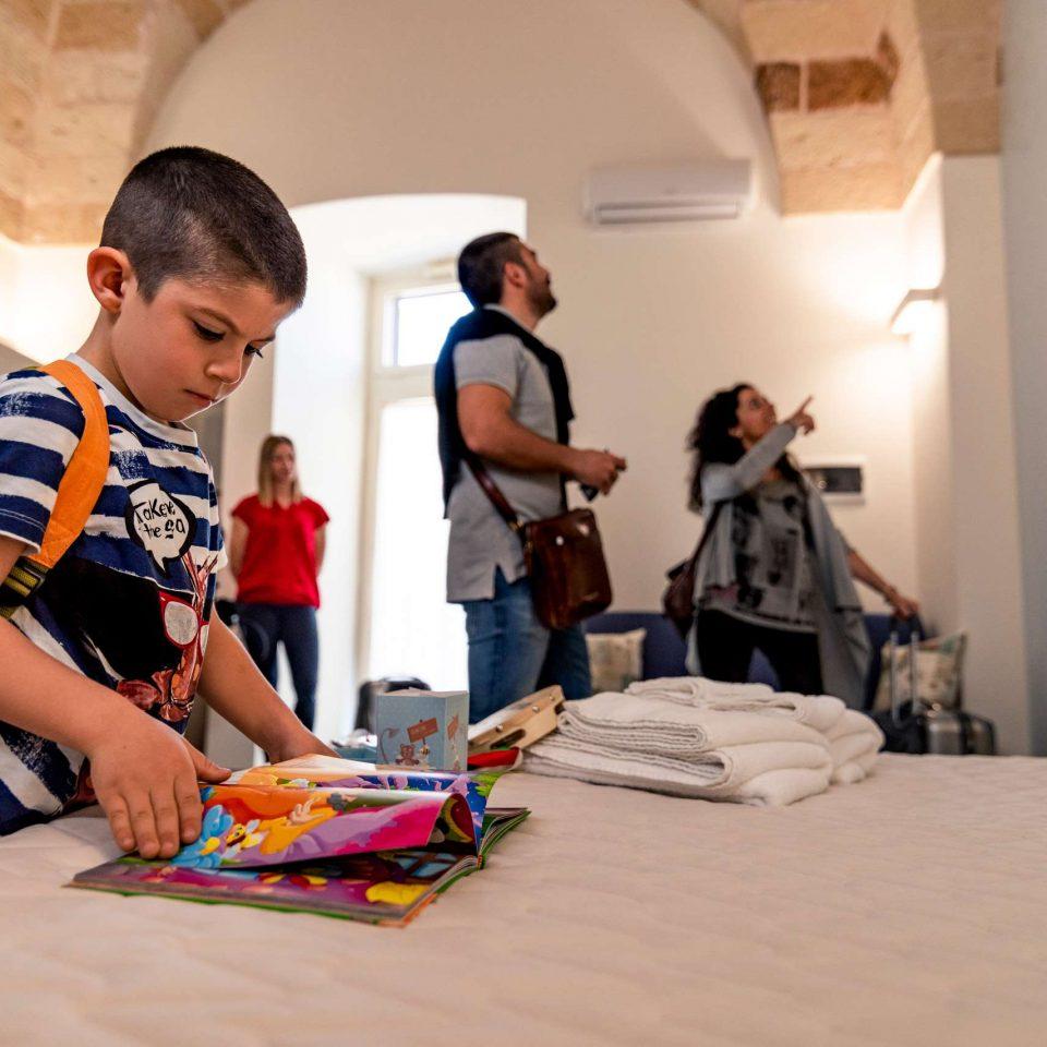 Kid is playing at the family friendly B&B Casa di Anita | Salento