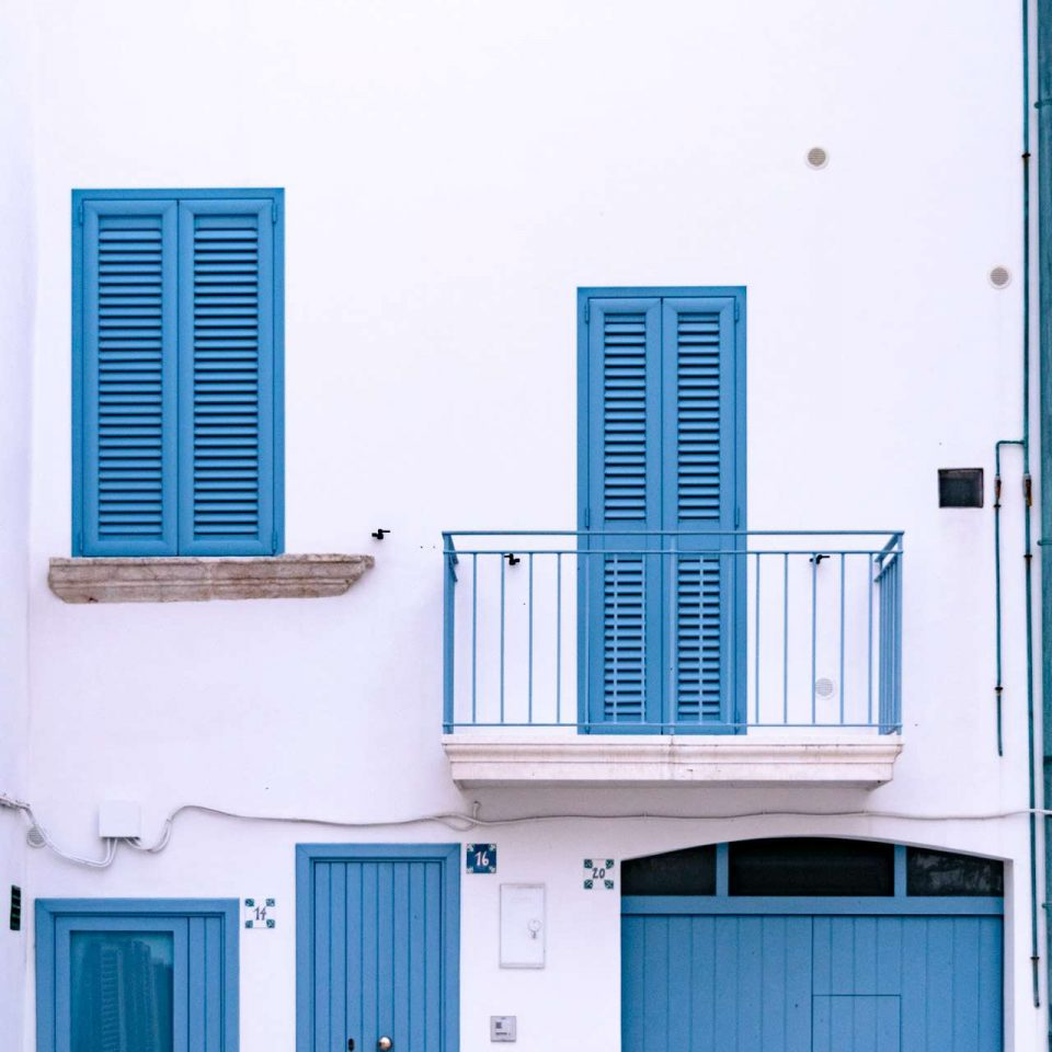 A cute blue and white house at Polignano a Mare | Cala Monachile | Puglia