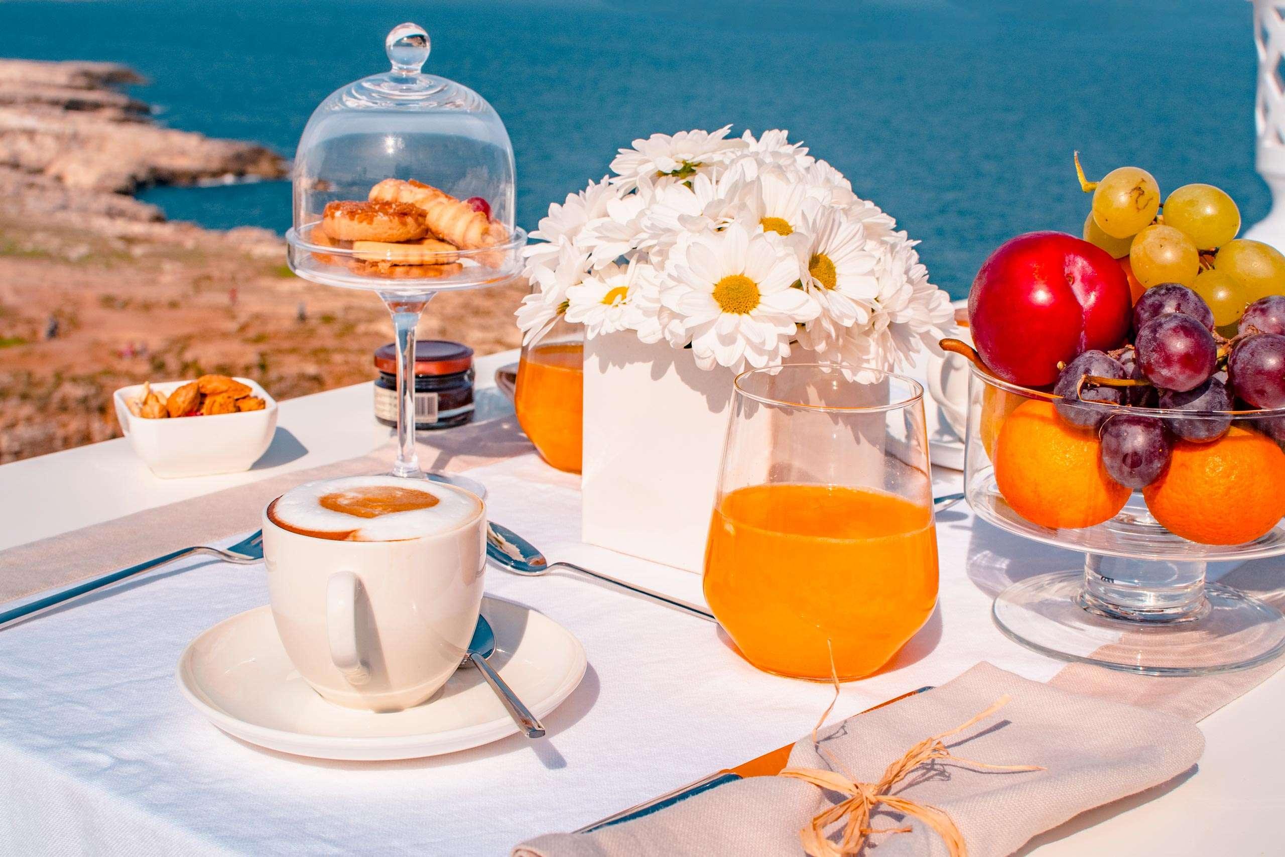 заполните красивый завтрак у моря картинки небо