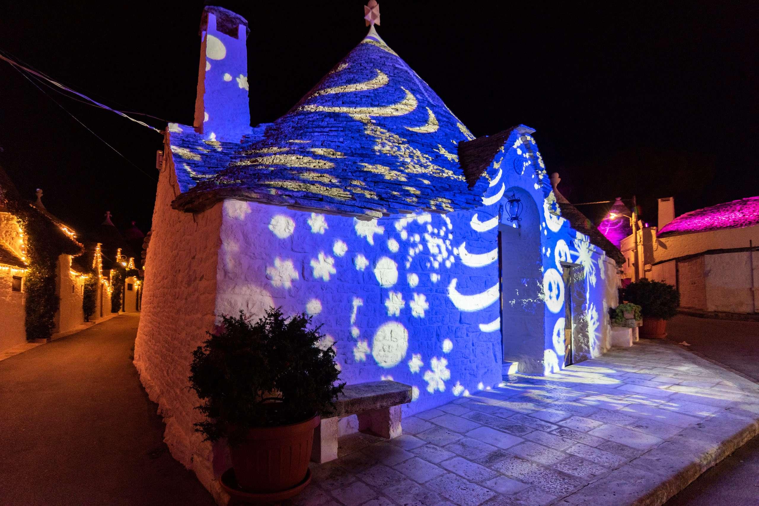 Christmas lights in Puglia, a big trullo lighted in Alberobello