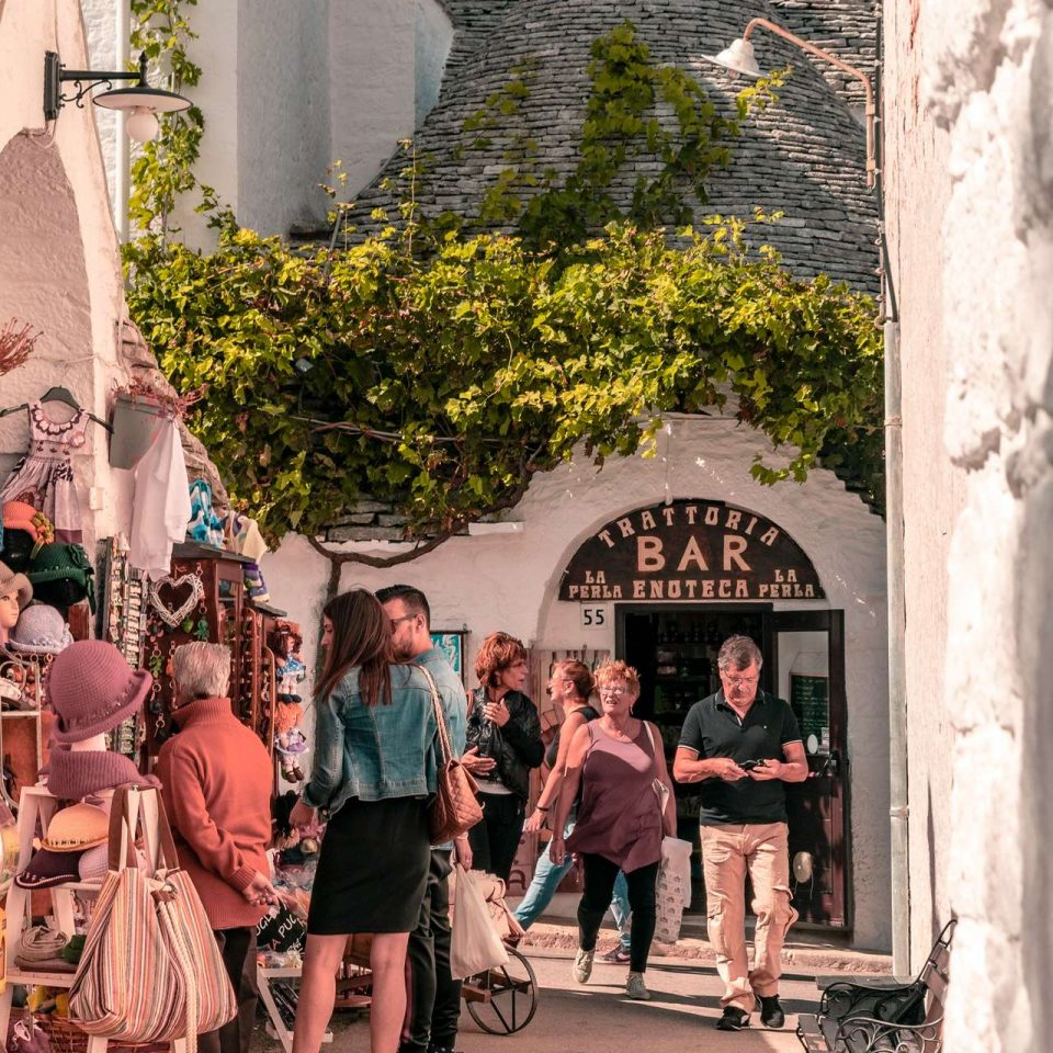 Shopping in Alberobello, Puglia