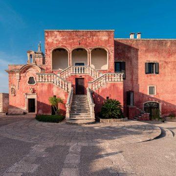The facade of Masseria Spina Resort in Puglia