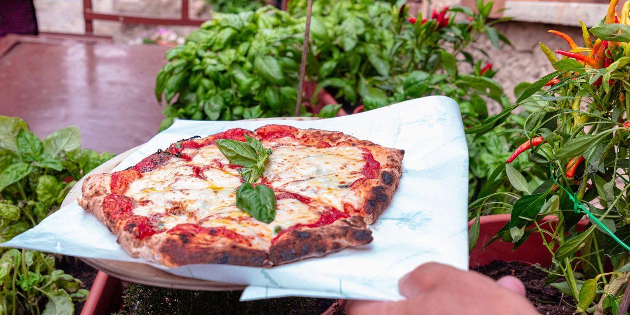 Pizza at Pane e salute bakery in Orsara di Puglia